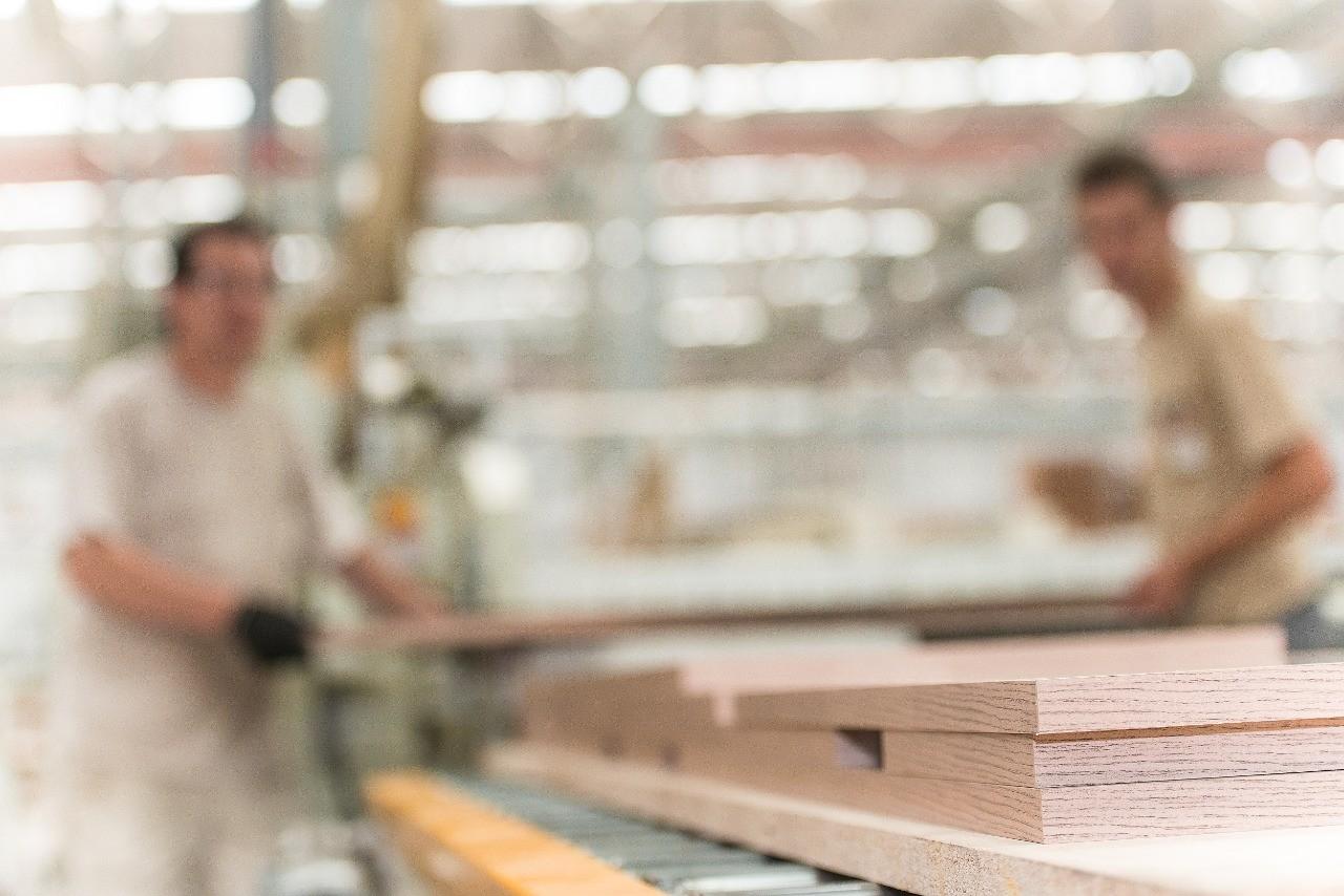 Capa - Instituto Hélice e Sindmóveis/Movergs firmam parceria para estimular inovação na cadeia produtiva de madeira e móveis