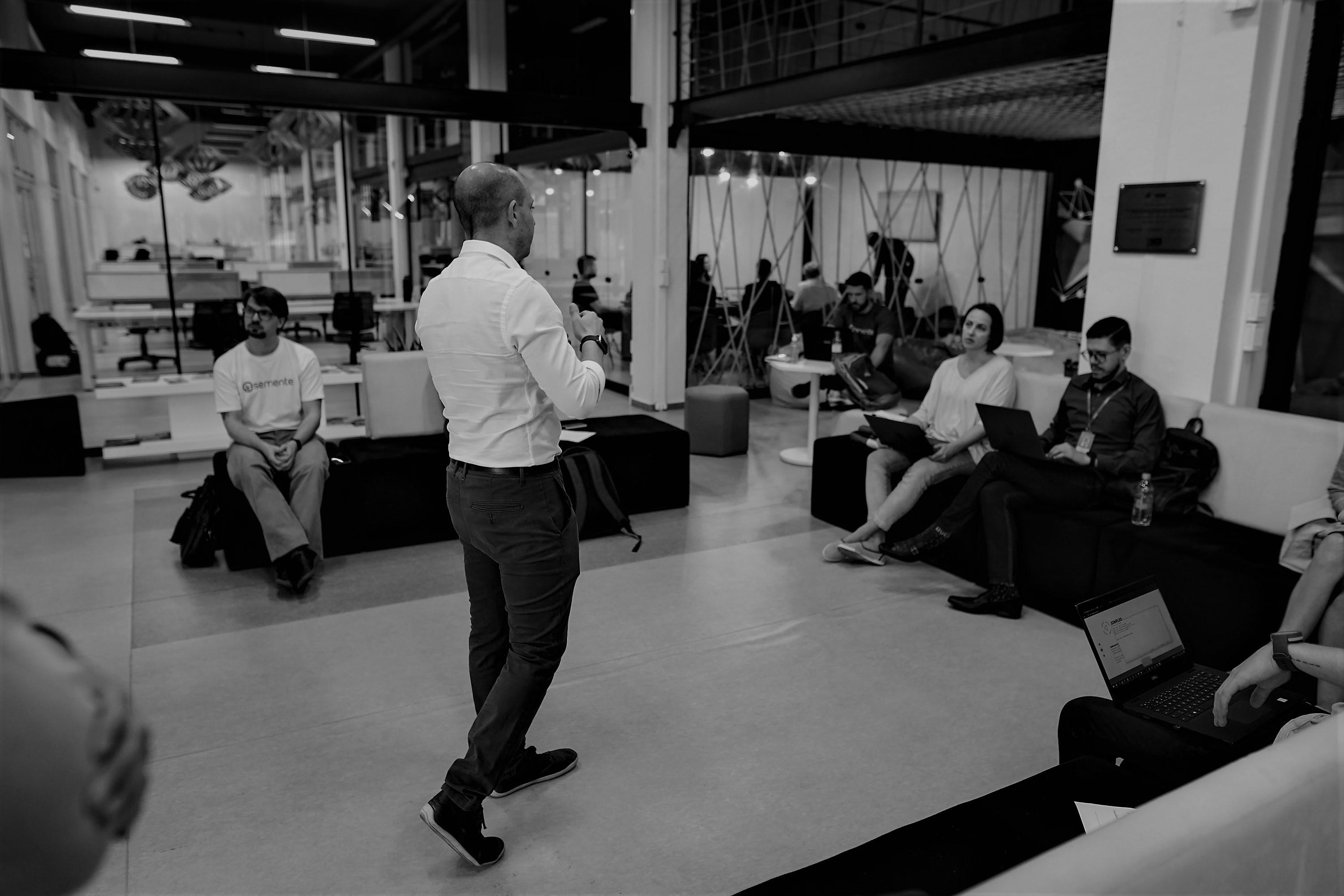 Capa - Instituto Hélice lança relatório das suas atividades de inovação em 2020